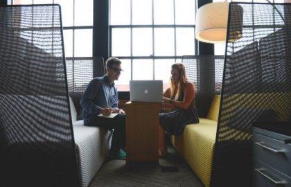 מה ההבדל בין פלאייר לפרסום באינטרנט?